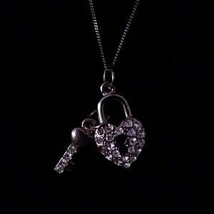 Jewelry - Heart locket and key